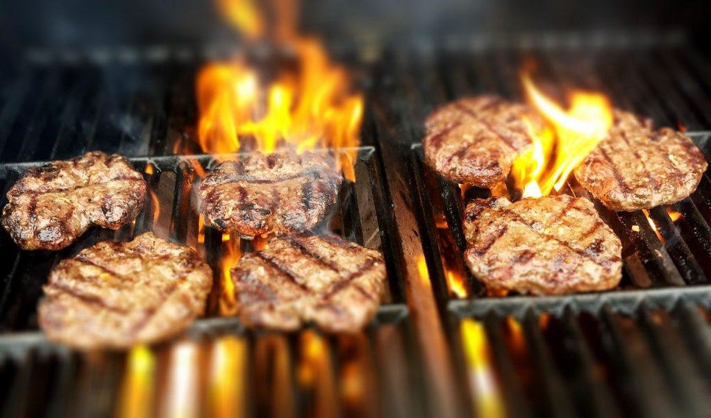 בשר על האש
